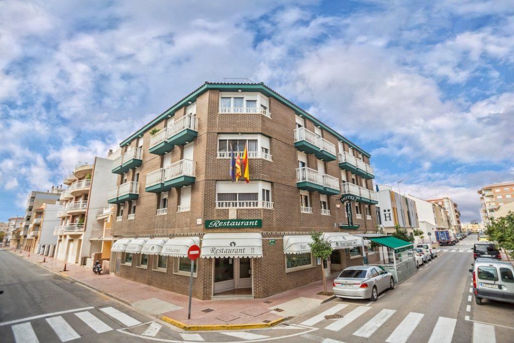 HOTEL TERUEL VINARÒS 35 ANIVERSARIO DE UNA UNIÓN HOSTELERA DE 2 HERMANOS